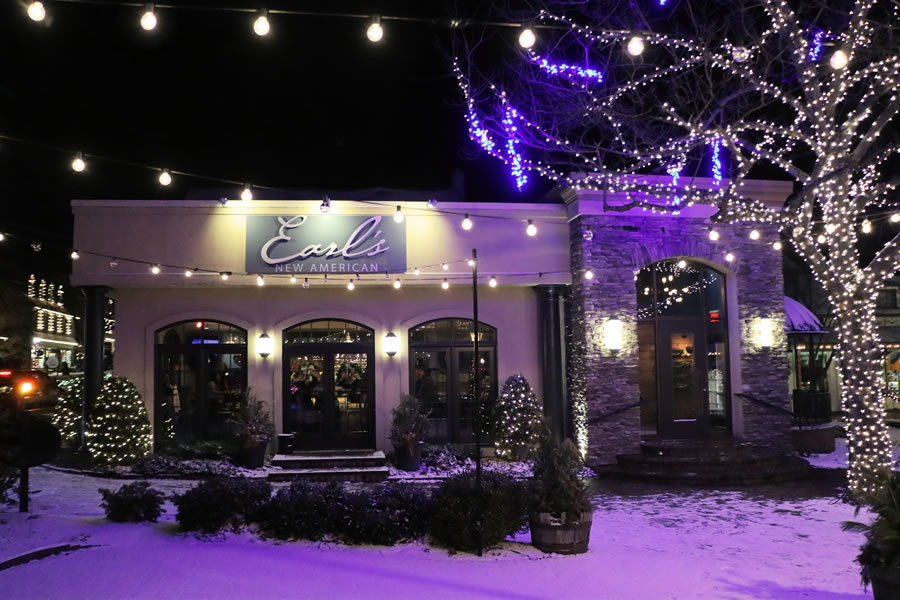Earl's New American Restaurant exterior at night In Peddlers Village