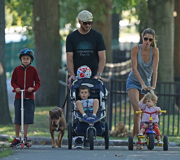 Tom Brady and Gisele Bundchen hanging out playing with the kids John, Benjamin and Vivian at the playground. They were playing soccer and swinging on the swings in downtown Boston MA.Pictured: tom brady,gisele bundchen,John Moynahan,Benjamin Brady,Vivian Lake Brady,tom brady gisele bundchen John Moynahan Benjamin Brady Vivian Lake Brady Ref: SPL824292 230814 NON-EXCLUSIVE Picture by: SplashNews.com Splash News and Pictures USA: +1 310-525-5808 London: +44 (0)20 8126 1009 Berlin: +49 175 3764 166 photodesk@splashnews.com World Rights